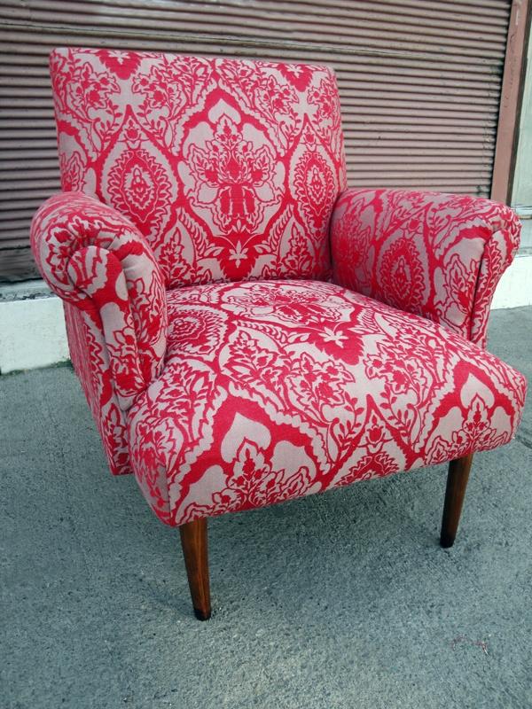 Rincón de los Encantos | Muebles antiguos restaurados, tapizados, barnices, decapados, color, cojines, cortinas, antigüedades y decoración y más.