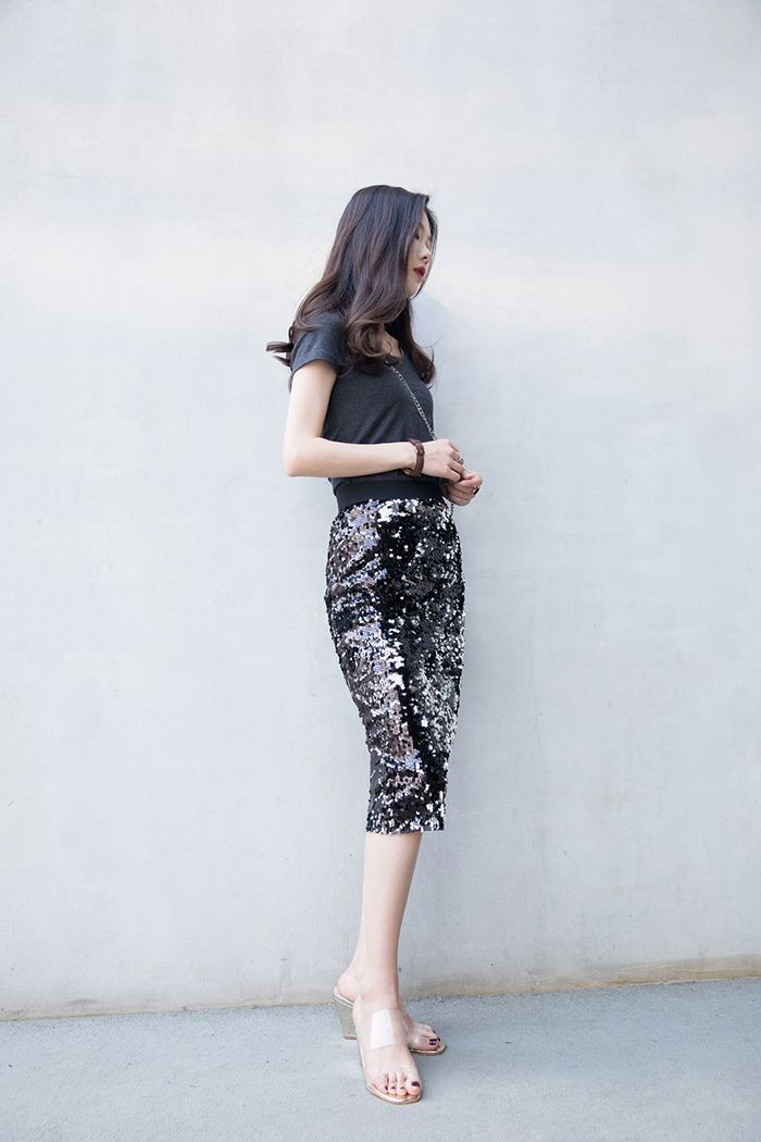 1f5501c31f2c6d How To Wear Clear PVC Shoe Trend This Summer