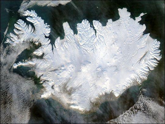 """Island mit erster menschlicher Suchmaschine Guðmundur von Falk Werner · http://reisefm.de/tourismus/island-gudmundur/ · Island bringt ab heute mit """"Ask Guðmundur"""" eine Suchmaschine mit menschlichen Ansprechpartnern auf den Markt."""