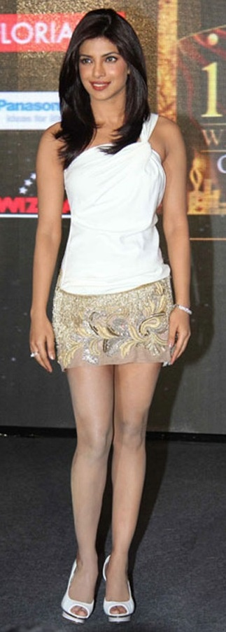 Priyanka Chopra wearing jewellery from Gehna at an event