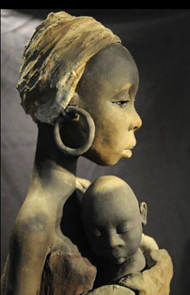 Michele Ludwiczak ceramic sculpture