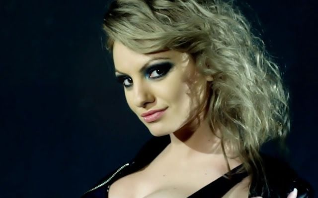 CELEBRITY TOP NEWS: BIOGRAPHY OF ALEXANDRA STAN