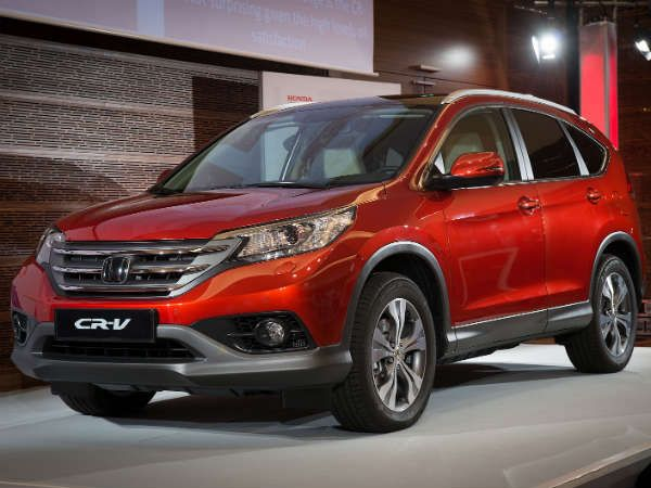 Honda has unveiled the all new CRV crossover in Europe. The most notable changes in the new CRV is the availability of the i-DTEC diesel engine along with the familiar i-VTEC petrol engine. Honda is also planning to add a more fuel efficient 1.6-litre diesel engine by 2013.