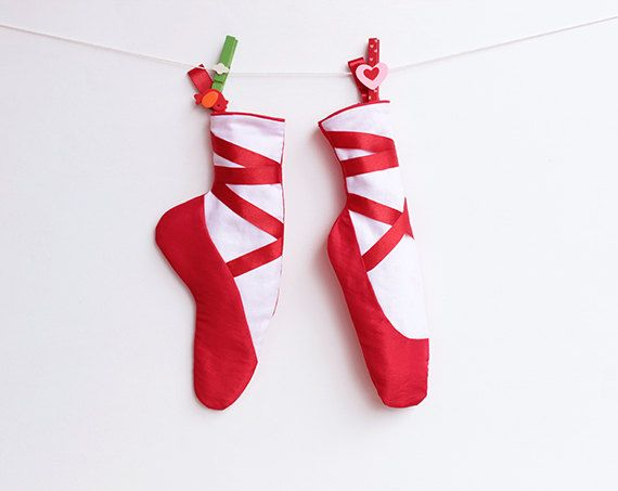 The RED SHOES Christmas Stockings #sewing #pattern #Pdf #Girl di PUPERITA