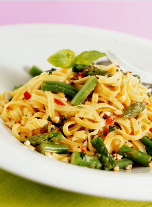 Asparagus Fettucine Stir Fry with Peanut Sauce