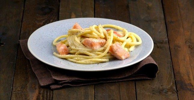 Spaghettoni cacio, pepe e salmone Norvegese_9380 copia