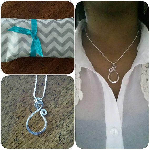 Magic Ring Holder Necklace Wedding / Engagement Ring Holder
