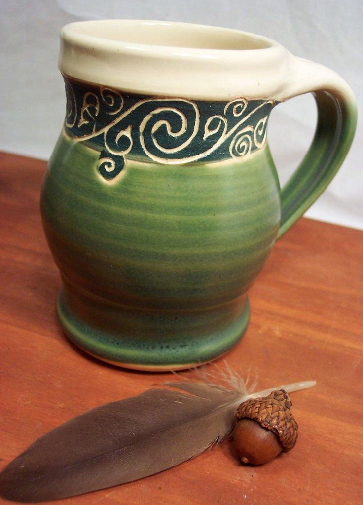 Best 25 green mugs ideas on pinterest green coffee mugs for Pottery cup ideas
