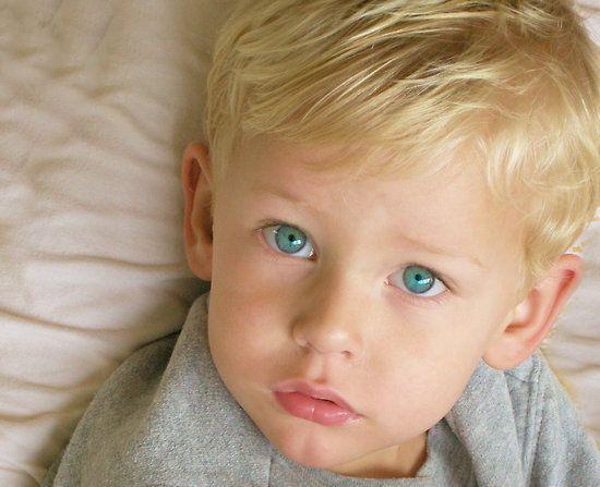 Con azules rubios ojos Las personas