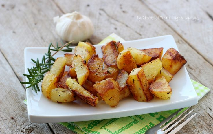 Patate arrosto senza forno in padella pronte in 20 minuti!