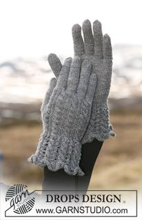 """DROPS gloves in """"Fabel"""" with cables and lace pattern. ~ DROPS Design"""