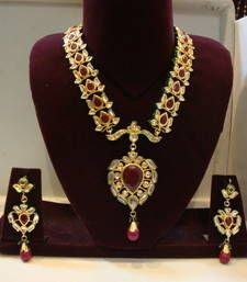 Design no. 8 b.901....Rs. 11000 necklace-set @ www.mirraw.com