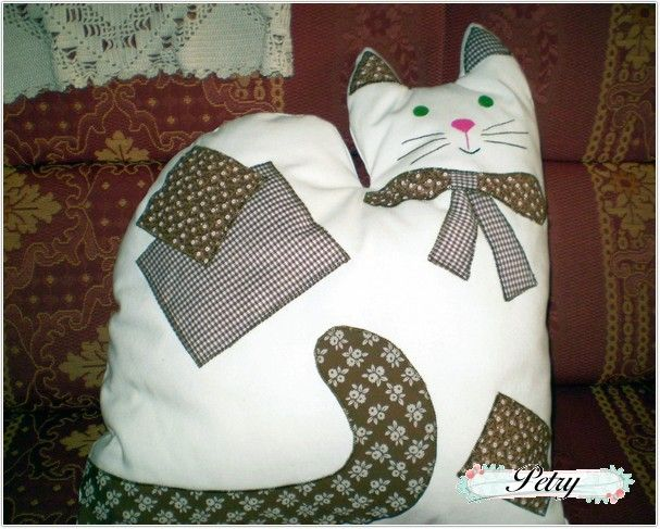 Cojín gato. www.petry.es