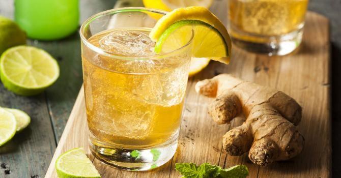 Recette de Thé glacé citron et gingembre. Facile et rapide à réaliser, goûteuse et diététique. Ingrédients, préparation et recettes associées.