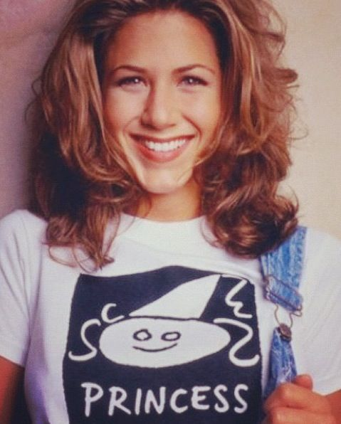 Our daily 90's style inspiration ~~ Jennifer Aniston on Friends