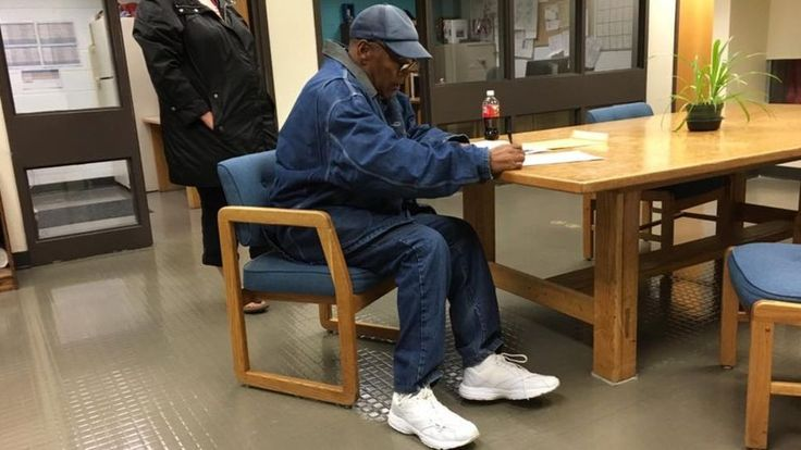 OJ Simpson released from jail on parole      The former American football and movie star is freed after serving nine years for armed robbery. http://www.bbc.co.uk/news/world-us-canada-41458911