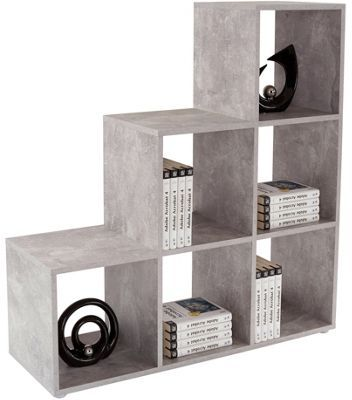 Tento nadčasový regál v modernom betonovom dekore ponúka veľa odkladacej plochy a je tiež praktický k použitiu na oddelenie izby. 10 otvorených priehradok  ponúka veľa miesta na dekorácie, ozdobné predmety, foto rámiky, knihy alebo na časopisy. Regál s velkosťou cca 112/114/35 cm (Š/V/H) je univerzálny nábytok pre obývacie izby alebo jedálne.