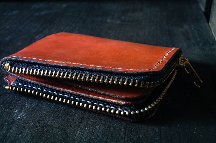 Handmade leather minimalist wallet Freedom forgers Pre-kickstarter  design