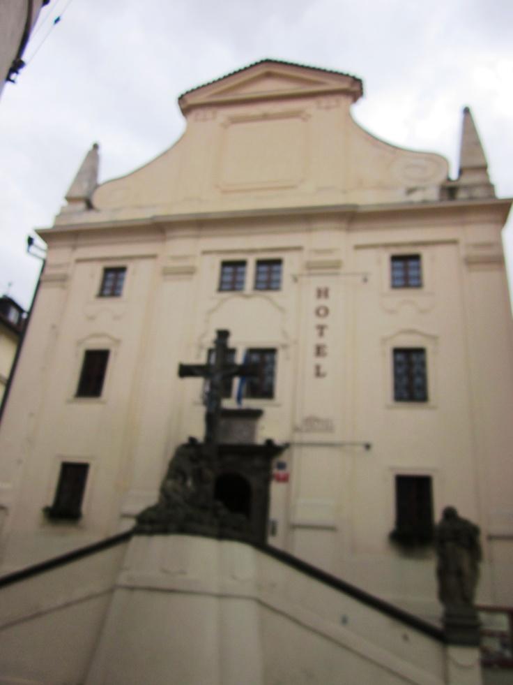 Una iglesia que funciona como hotel. Praga