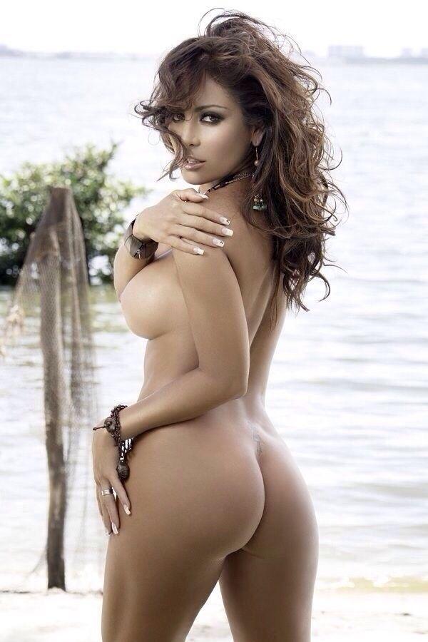Babe face nude ass girl boy