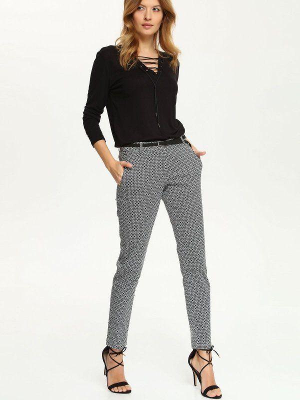Spodnie damskie do pracy, jeansy damskie na co dzień i masa innych spodni: spodnie rurki, alladynki, spodnie jeansowe, damskie spodnie dresowe… Obejrzyj modną odzież w sklepie internetowym Top Secret