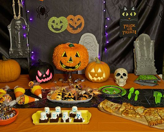 planning a halloween party get recipes and tips for your spook tacular at walmart - Walmart Halloween Decorations