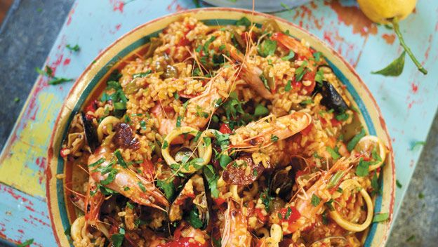 Jamie's Seafood Paella prepared in the Philips homecooker