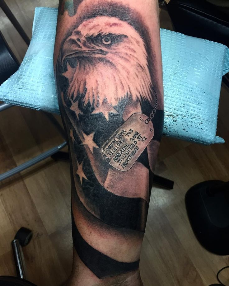 1000 idee n over dog tags tattoo op pinterest militaire tattoeages herinneringen tatoeages. Black Bedroom Furniture Sets. Home Design Ideas