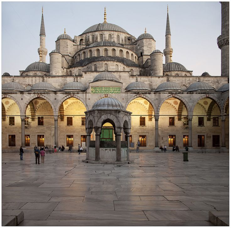 Sultan Ahmed Mosque (Blue Mosque) Istanbul, Turkey.