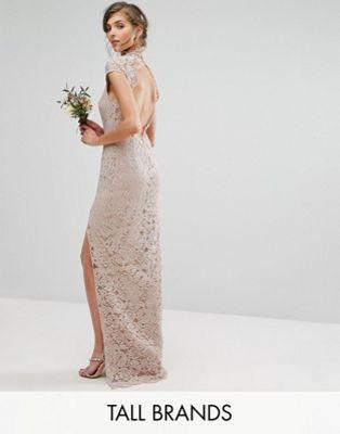 TFNC Tall – Wedding – Hochgeschlossenes Kleid aus Spitze mit Flügelärmeln