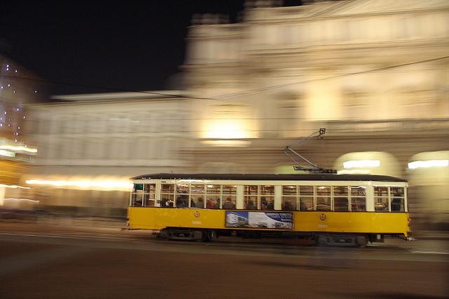 Milano, Teatro alla Scala, Italy Milano Giorno e Notte - We Love You! www.milanogiornoenotte.com