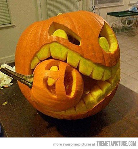 funny-pumpkin-teeth-eating-another-pumpking