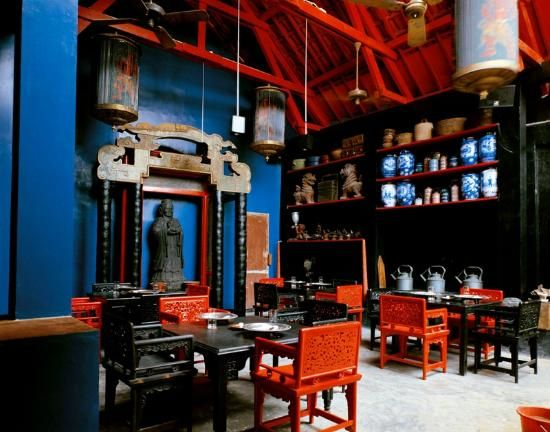 Dapur Babah restaurant: A treasure trove of old museum pieces and restored furniture and artifacts of Java 19th Century.