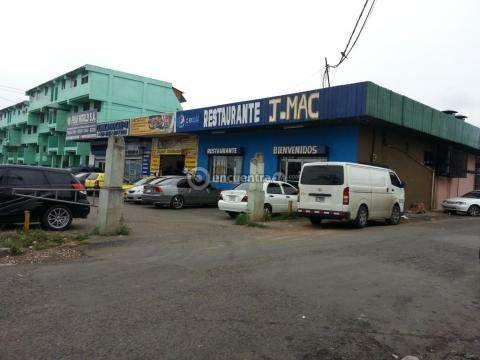 Locales comerciales Juan Diaz | REMATE plaza en Via Principal para Venta