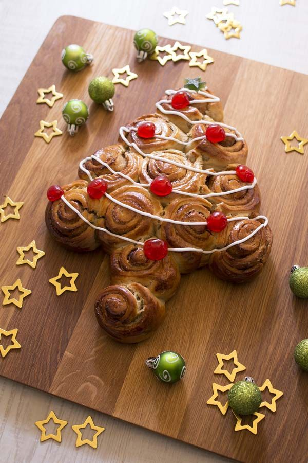 Pain sapin de Noël à la cannelle, la recette d'Ôdélices : retrouvez les ingrédients, la préparation, des recettes similaires et des photos qui donnent envie !