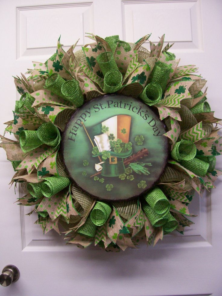 1000 images about wreaths st patrick 39 s day wreaths and. Black Bedroom Furniture Sets. Home Design Ideas