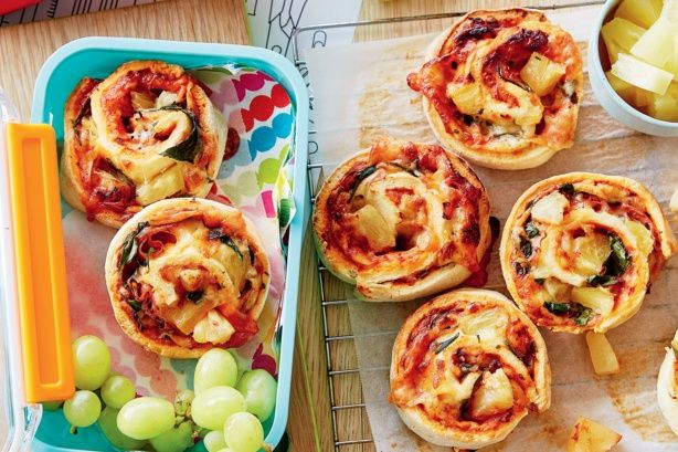 Hawaiian pizza scrolls - For a tasty lunch box treat make these cheesy Hawaiian pizza scrolls!