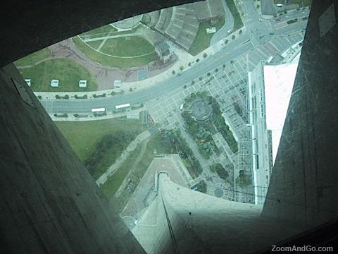 Toronto CN Tower glass floor