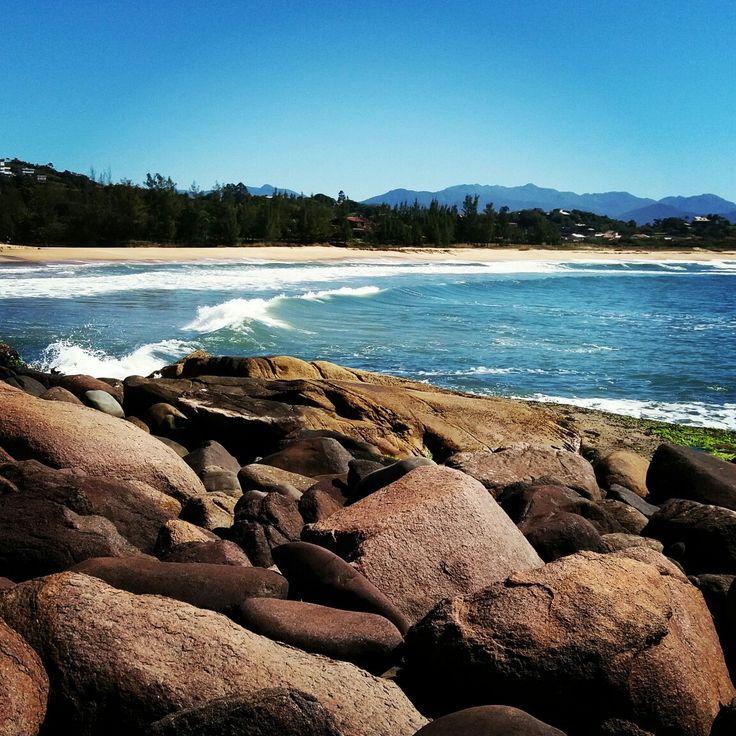 Praia da Gamboa!! Um paraíso ainda pouco desbravado e com muitas ondas!! Apresenta o sossego de uma vila de pescadores, com pessoas extremamente simpáticas e acolhedoras!!!