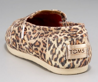 Leopard TOMS! I neeeeed these!