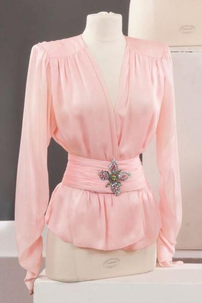 Yves SAINT LAURENT haute couture circa 1990 Blouse www.vintageclothin.com