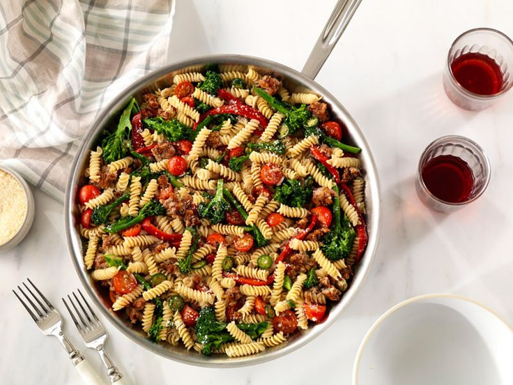 Looking for an authentic Italian recipe? Try Barilla's step-by-step recipe for Bryan Voltaggio's Pronto™ Rotini with Sausage & Broccoli Rabe for a delicious meal!