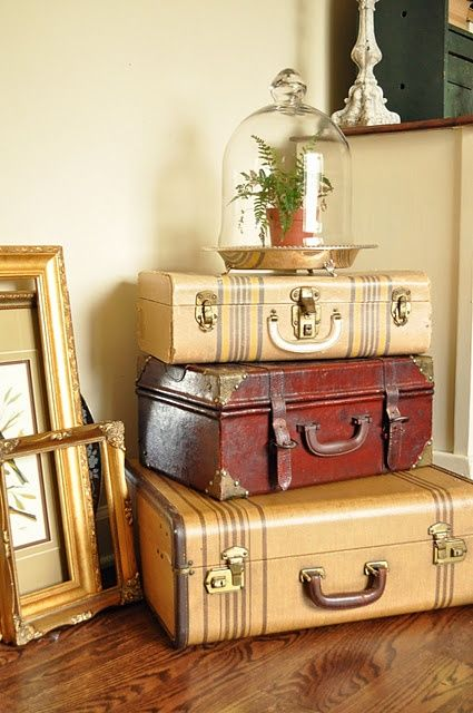Decorative Items For Living Room: Best 25+ Vintage Suitcase Decor Ideas On Pinterest