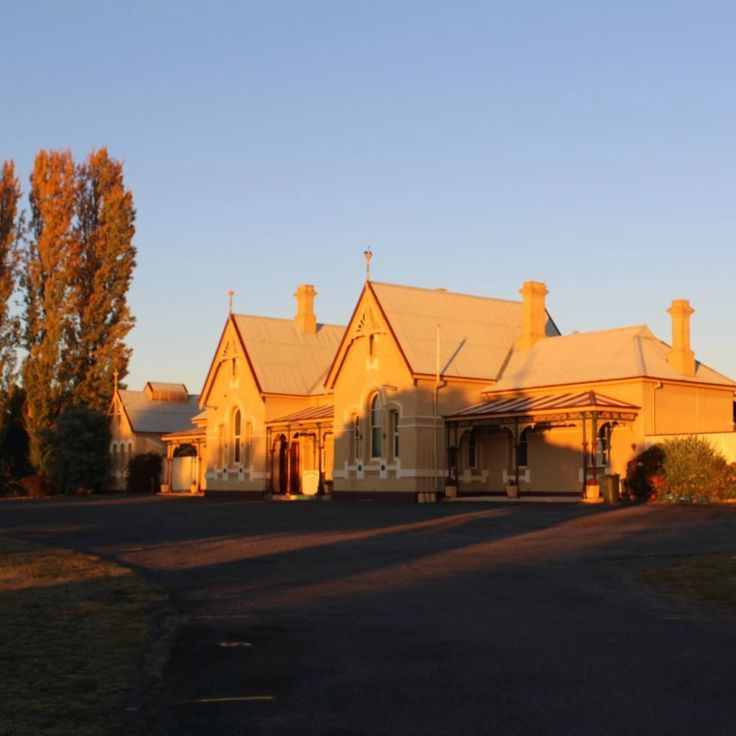 I love this incredible building and so glad that Tenterfield maintains it and loves it so well.  Morning sun hitting on the Tenterfield Railway Station.  #startthedaywithsomethingbeautiful