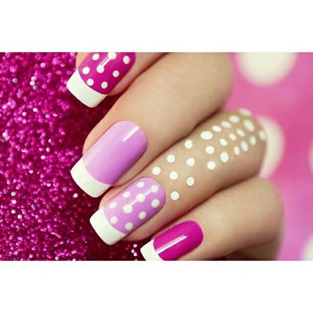 Aprenda a fazer corretamente a fazer as suas #unhas em casa. Esmalte as suas #unhas e as deixe sempre bonitas e saudáveis    #Manicure #Pedicure #UnhasemCasa #ManicureemCasa #Moda #Beleza    http://bit.ly/1blhmkX