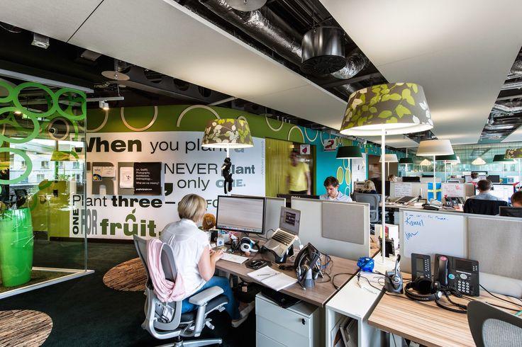 Google Campus Dublin | Google Docks - Office Space - Floor Identity: Be Green #GoogleDublin, #Office, #WallGraphics