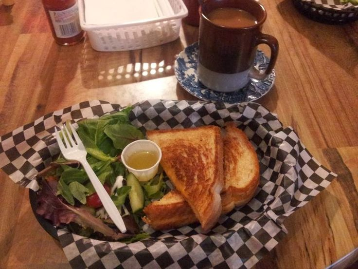 Top 5 Fun and Funky Places to Eat In Downtown Barrie, Ontario
