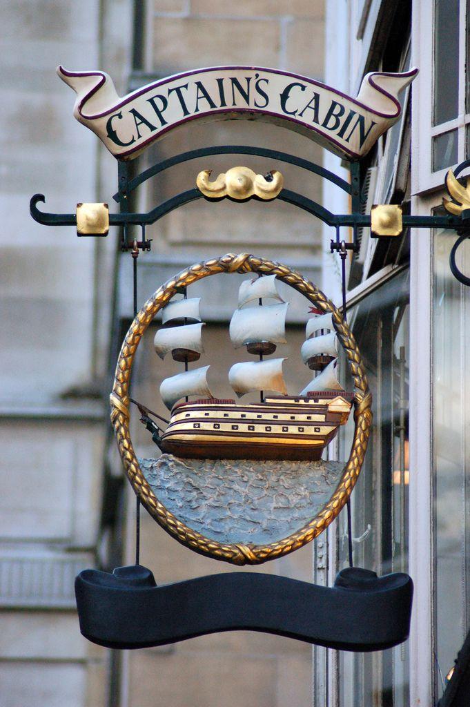 Captain's Cabin - London Pub                              …