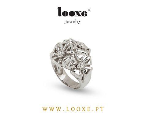 Inspiração do dia Anel Looxe em ouro branco e diamantes. // Inspiration of the Day Looxe white gold diamond ring. http://bit.ly/2ePqLqf #looxe #looxejewelry #anel #ourobranco #diamantes #inspiraçãododia #looxe #looxejewelry #ring #whitegold #diamonds #inspirationoftheday JOANL4138B