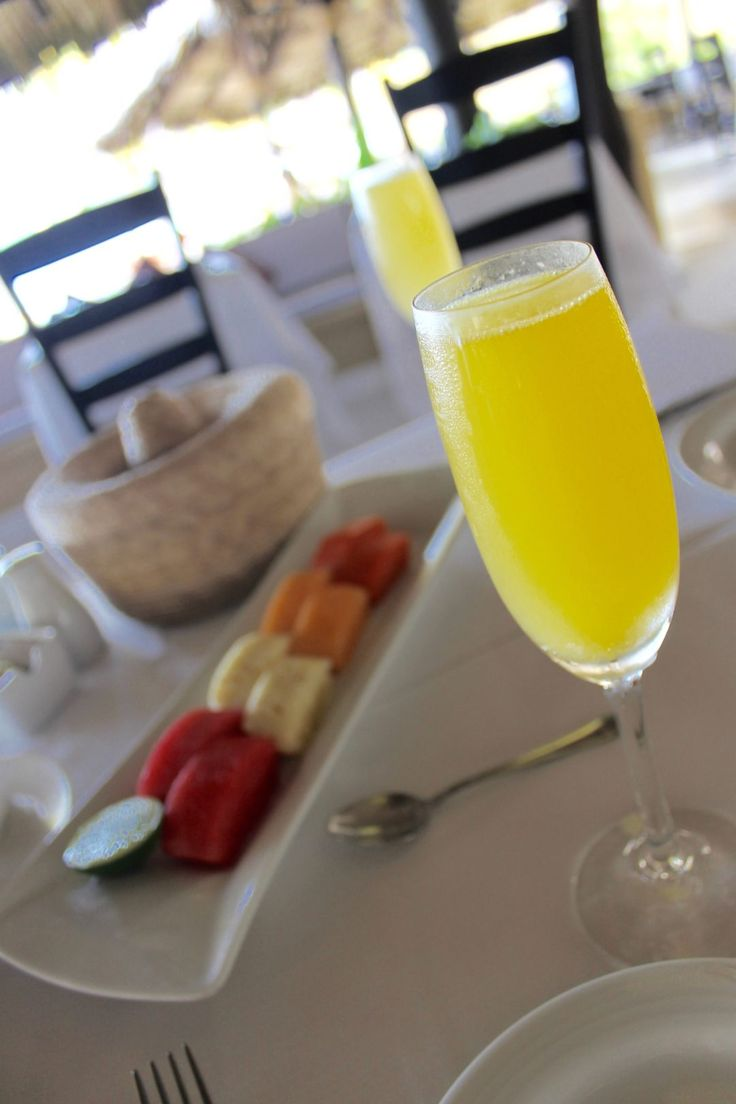 Mimosas at the Viceroy Hotel Zihuatanejo, Mexico! www.thewanderlustgirls.com
